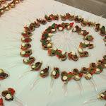 Palačinková roláda se švěstkovou náplní, smetanový krém, jahoda, čerstvá máta
