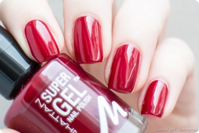 Manhattan Super Gel Nail Polish Swatch Erfahrungsbericht seductive red ladies night almost midnight devious red-4