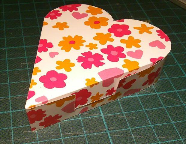 Membuat Kotak Kado Bentuk Heart