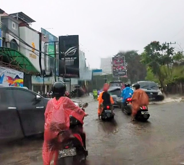 Banjir Landa Kalsel; Karena Tambang ?