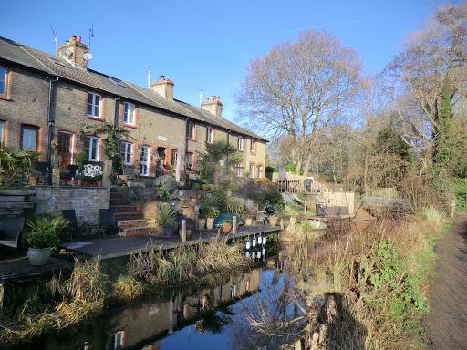 CIMG8157 Riverdale Cottages, Shoreham