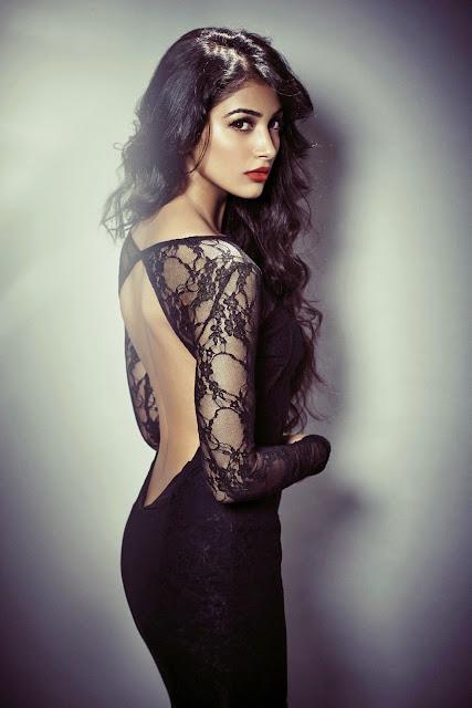 Moogamudi Actress Pooja Hedge hot photoshoot