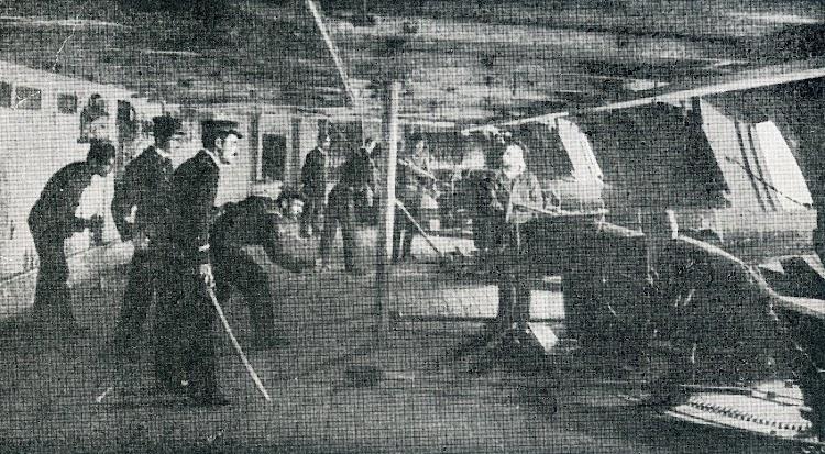 9- Interior de la bateria secundaria del PELAYO. Del libro Biografia del Exmo. Sr. D. Pascual Cervera y Topete. Almirante de la Marina de Guerra Española.JPG
