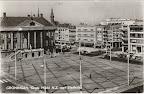 Groningen.  Grote markt N.Z met stadhuis en rechts Amsterdamsche Bank. Gelopen gestempeld in 1963.