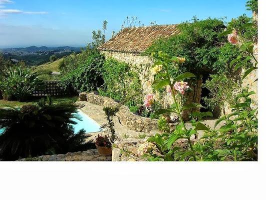 Montes de Almachada Casa Rural