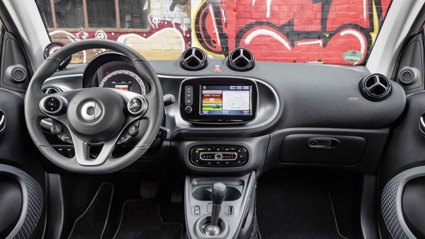 Smart ForTwo ForFour interior