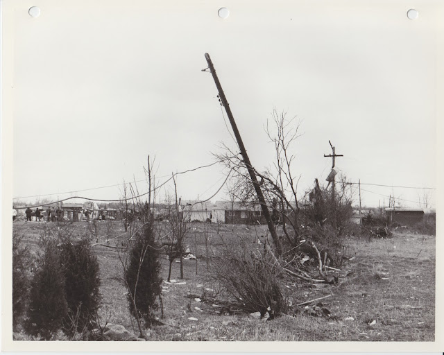 1976 Tornado photos collection - 98.tif