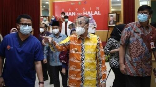 Emosi Gubernur Riau Gara-gara Ustaz Ceramah 'Corona Kerjaan Yahudi'