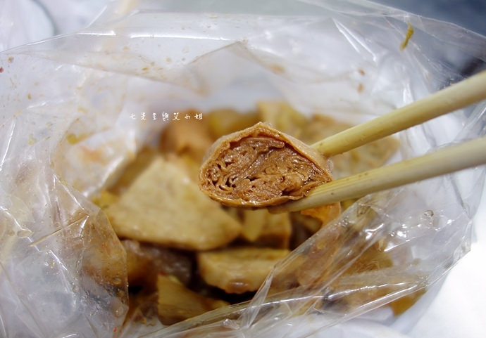 25 嘉義文化路夜市必吃 阿娥豆花、方櫃仔滷味、霞火雞肉飯、銀行前古早味烤魷魚