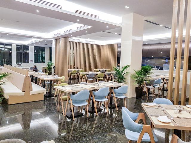 Hilton Garden Inn Puchong Room Restaurant Dining Area