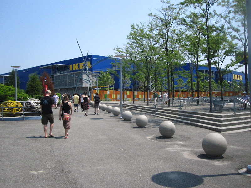 Erie Basin Park: IKEA
