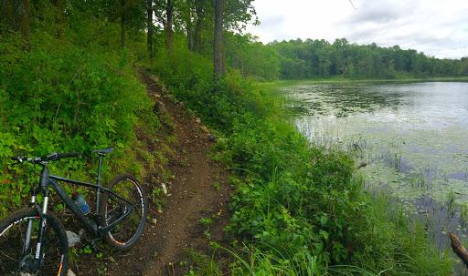 Twin Lakes lakeside singletrack