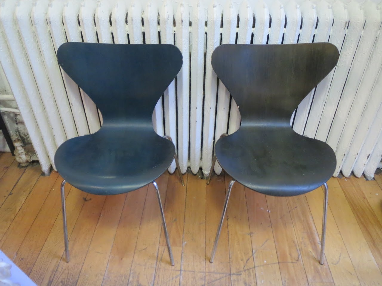 Fritz Hansen Series 7 Side Chair Pair in Green