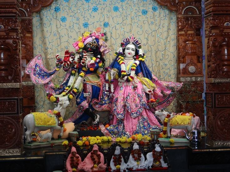ISKCON Nigdi Deity Darshan 22 Jan 2016 (2)