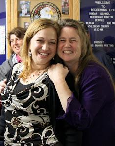 Susan and Heather cuttin' up! :-)