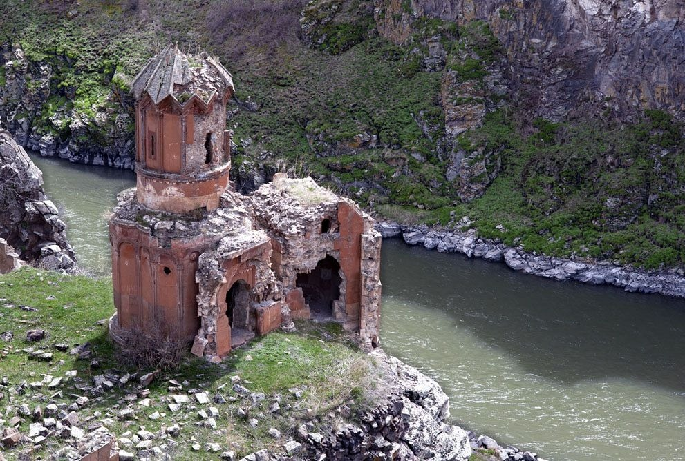 ani-ruined-churches-18