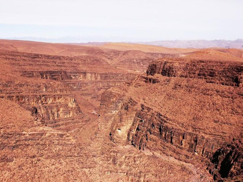 Marrocos e Mauritãnia a Queimar Pneu e Gasolina - Página 13 DSCF1492