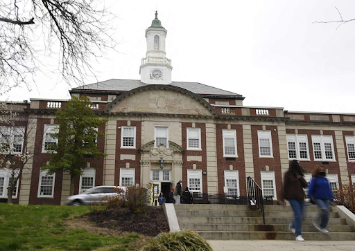 20 Stamford students arrested, security officers injured, during fights