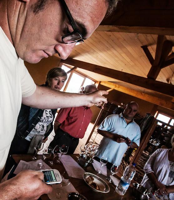 Assemblage des chardonnay milésime 2012. guimbelot.com - 2013%2B09%2B07%2BGuimbelot%2Bd%25C3%25A9gustation%2Bd%25E2%2580%2599assemblage%2Bdu%2Bchardonay%2B2012%2B127.jpg