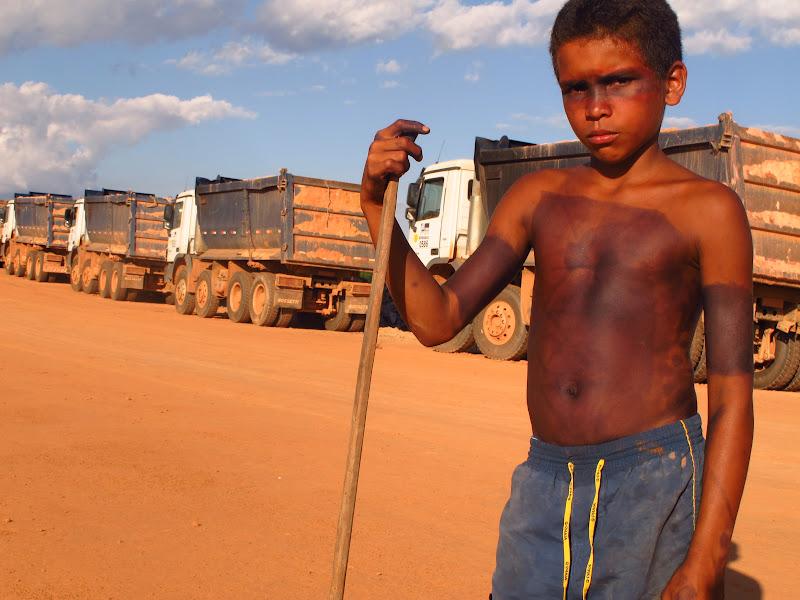 Mikael Juruna (10-year-old son of Jairson Juruna) at the cofferdam. (Photo: Atossa Soltani)