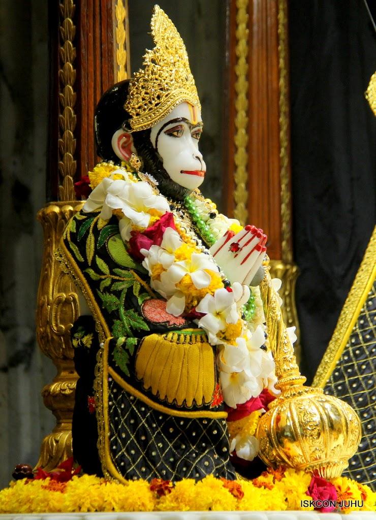 ISKCON Juhu Sringar Deity Darshan on 4th June 2016 (17)