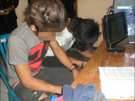 menggagahi secara bergilir, gadis yang tercatat masih duduk dibangku kelas 2 SMP di Kecamatan Mantingan, Ngawi