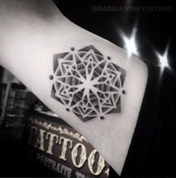 Este geométricas dotwork design