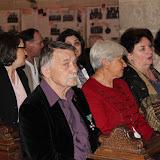előtérben: Hunyadi László szobrászművész, mellette Tarjányi Anna és Anna mellett Hunyadi Mária