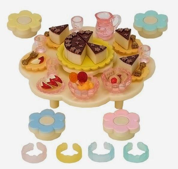 Bữa tiệc búp bê mẫu giáo Nursery Party Set với chiếc bánh ngọt lớn