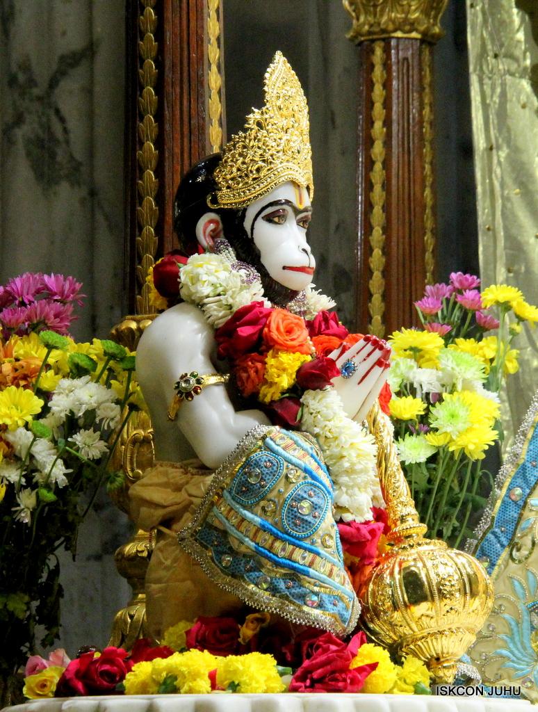 ISKCON Juhu Sringar Deity Darshan on 30th Dec 2016 (30)
