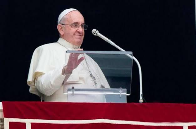 Papa Francisco doa ao Brasil equipamentos hospitalares para tratamento da Covid-19