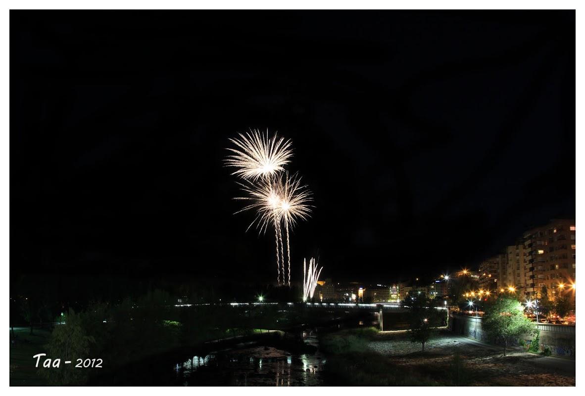 Fuegos artificiales - Fiestas de mayo en Lleida IIMG_9627