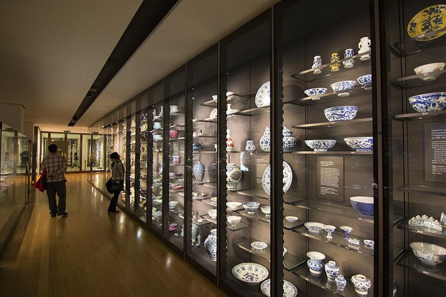 Sala de porcelanas chinas en el Museo Británico de Londres