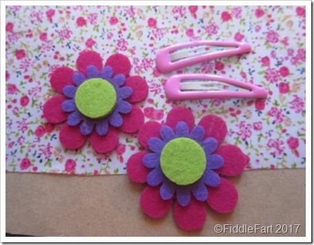 felt daisy hair clips