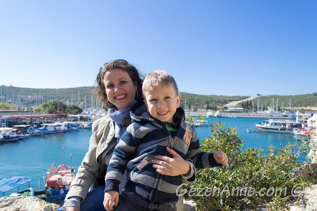 Sığacık kalesinden liman ve deniz manzarası, Seferihisar