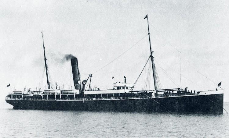 SS. ARIOSTO. Foto del libro THE WILSON LINE OF HULL. 1831-1981.jpg