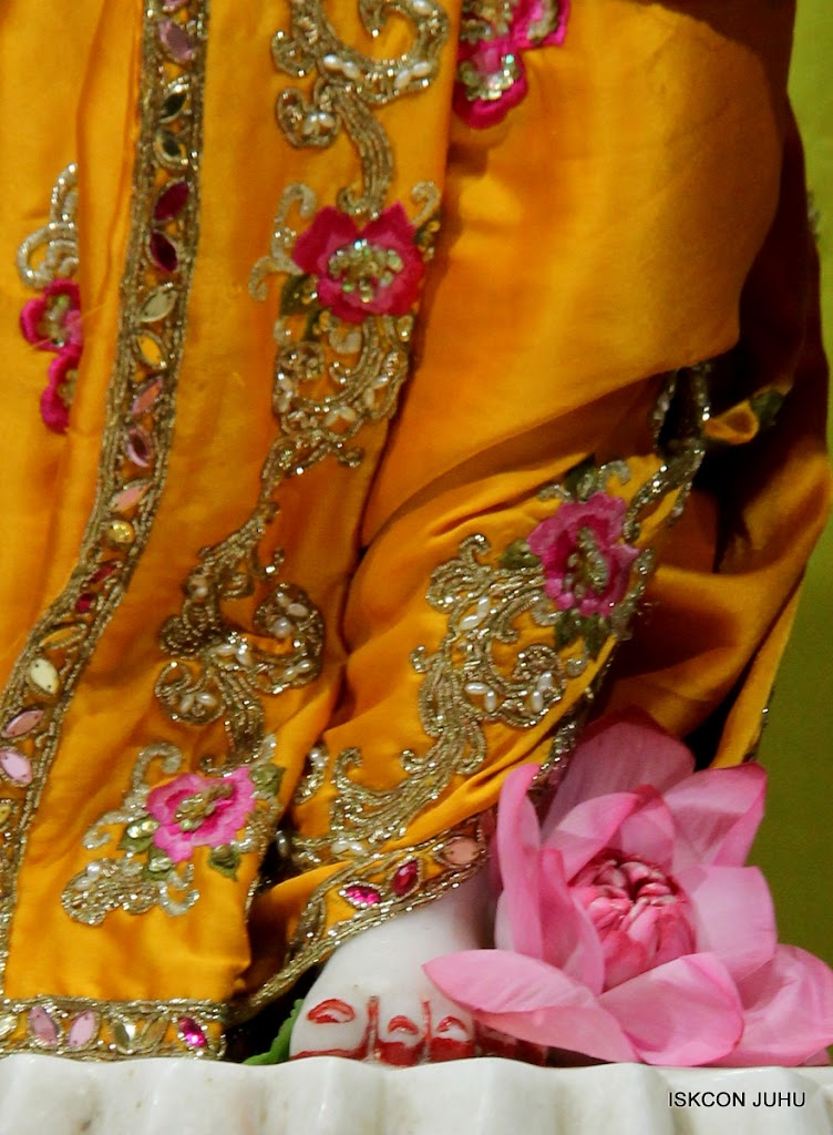 ISKCON Juhu Mangal Deity Darshan on 24th Aug 2016 (37)