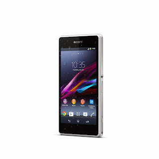 02_Xperia_Z1_Compact_White_Front.jpg