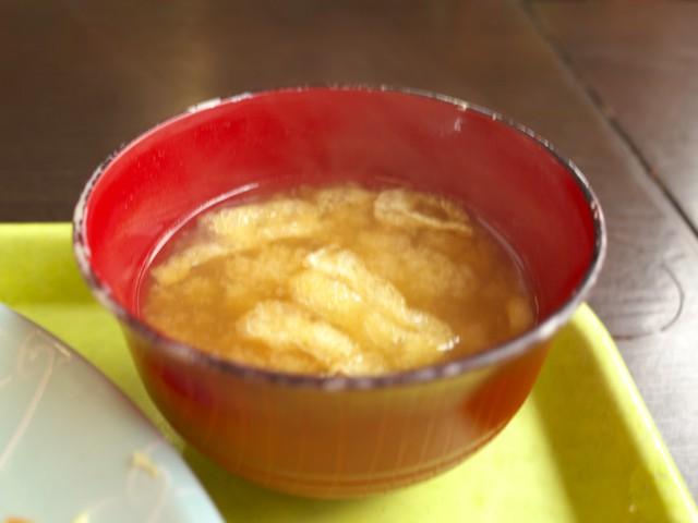 お揚げ入りの味噌汁