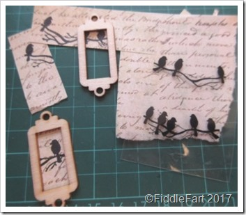Tiny Wooden Bird Tag