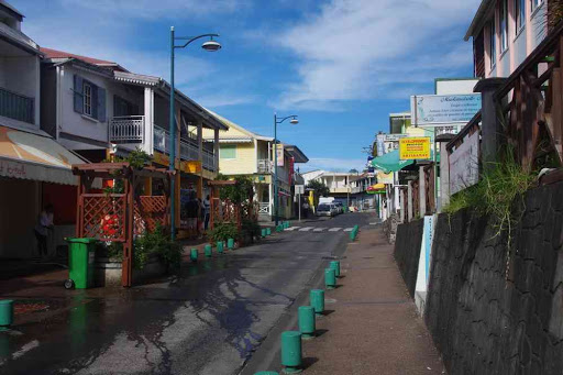 La rue principale de Cilaos.