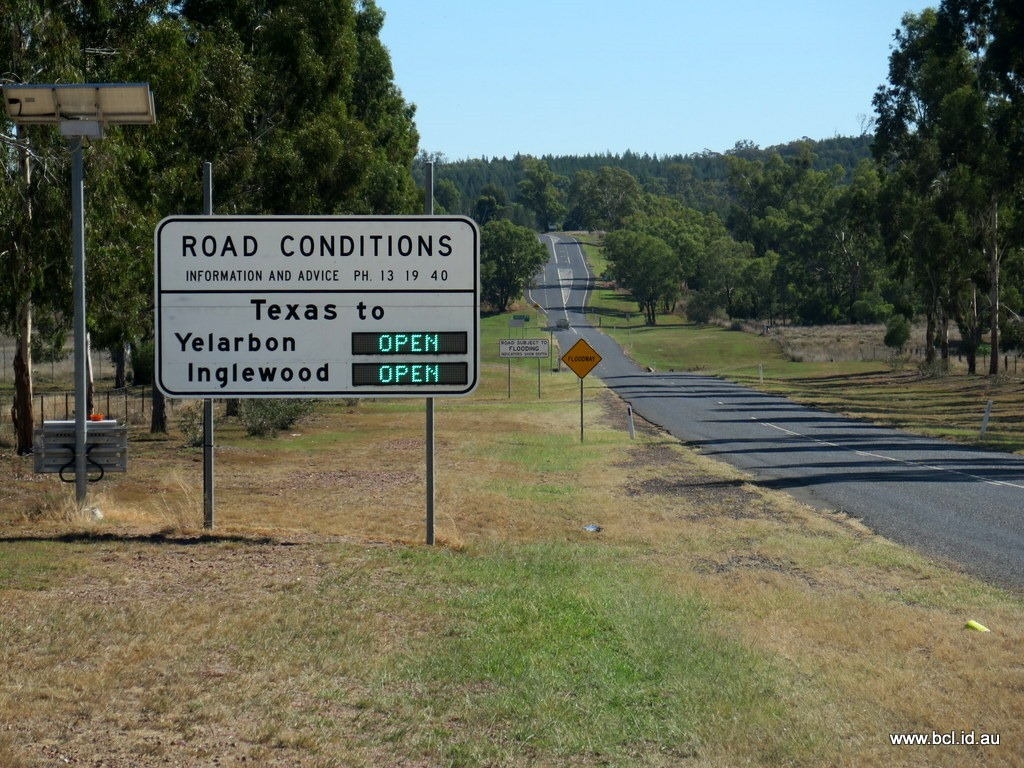 [180426-006-QLD-Road-Signs4]