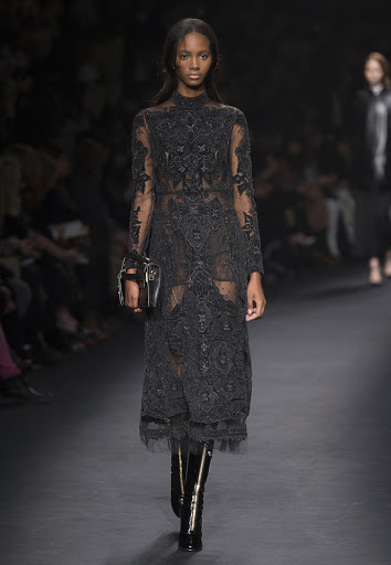 VALENTINO SPRING SUMMER 16, PARIS FASHION WEEK LIVE