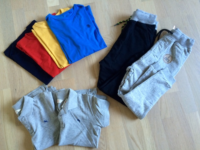 Carolina   Company  Tarha  koululaisen vaatteet f262ccad44