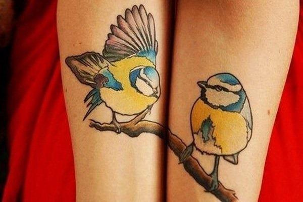 pssaros_em_um_ramo_de_intertravamento_antebraço_tatuagens
