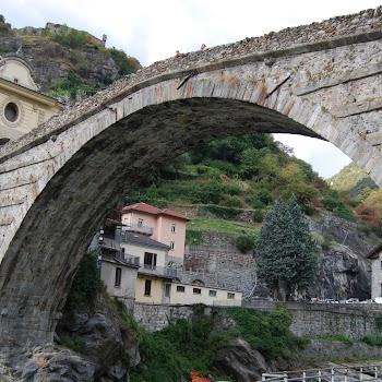 Pont Saint Martin 09-08-2017 19-51-30.JPG