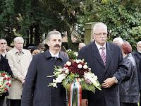 18 - Tessely Zoltán, miniszterelnöki biztos, országgyűlési képviselő,  Szabó Tibor, Martonvásár polgármestere.JPG