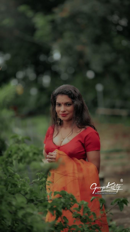 Kerala Activist And Model Rashmi R Nair Latest Hot Saree Photoshoot Pic's