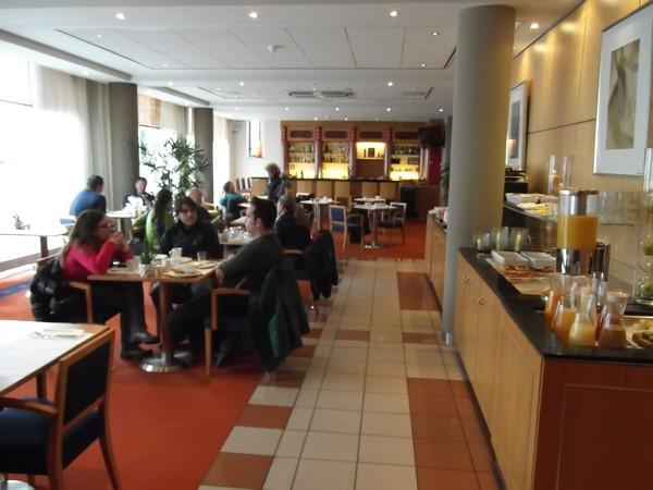 NH Hotels Groningen, colazione
