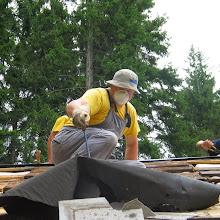 Delovna akcija - Streha, Črni dol 2006 - streha%2B086.jpg